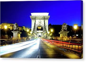 Canvas Print featuring the photograph Szechenyi Chain Bridge by Fabrizio Troiani