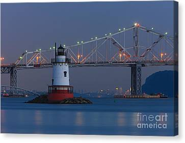 Tarrytown Lighthouse And Tappan Zee Bridge At Twilight Canvas Print by Clarence Holmes