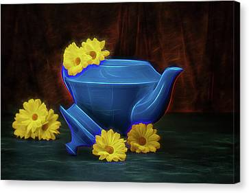 Tea Kettle With Daisies Still Life Canvas Print