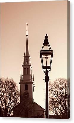Trinity Church Newport With Lamp Canvas Print