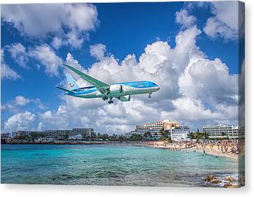 Tui Airlines Netherlands Landing At St. Maarten Airport. Canvas Print by David Gleeson