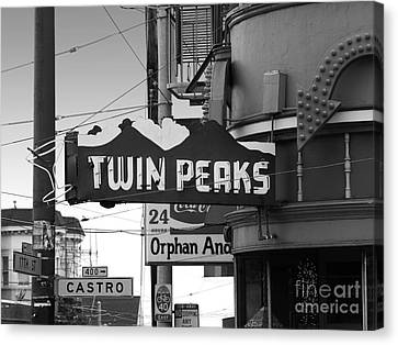 1 Twin Peaks Bar In San Francisco Canvas Print