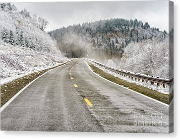 Canvas Print featuring the photograph Unexpected Autumn Snow Highland Scenic Highway by Thomas R Fletcher