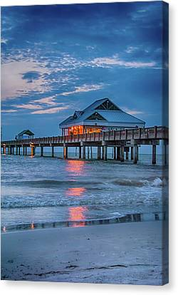 10737 Clearwater Pier 60 Canvas Print by Pamela Williams