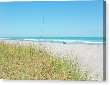 10964 Relaxing On The Beach Canvas Print