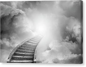 Stairway To Heaven Canvas Print by Les Cunliffe