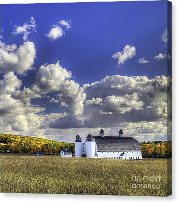 National Lakeshore Canvas Print - Dh Day Farm by Twenty Two North Photography