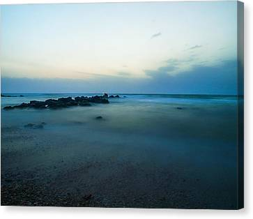 Canvas Print featuring the photograph 15 Seconds by Meir Ezrachi