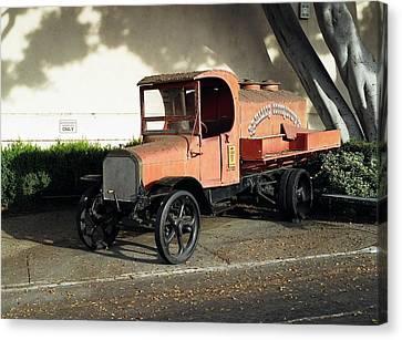 1922 Mack Truck Canvas Print