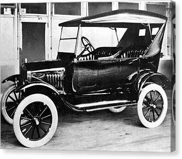 1923 Model T Ford Canvas Print by Everett