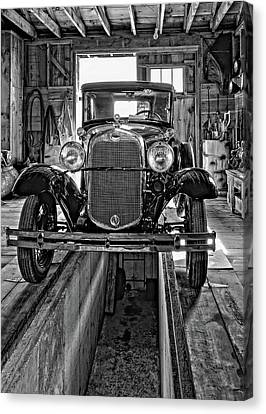 1930 Model T Ford Monochrome Canvas Print by Steve Harrington
