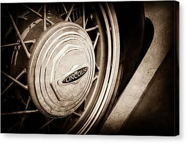 1933 Lincoln Kb Judkins Coupe Emblem - Spare Tire -0167s Canvas Print
