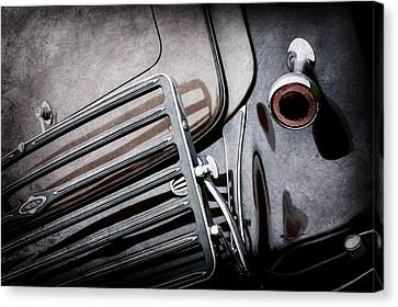 1933 Lincoln Kb Judkins Coupe Taillight Emblem -0138ac Canvas Print