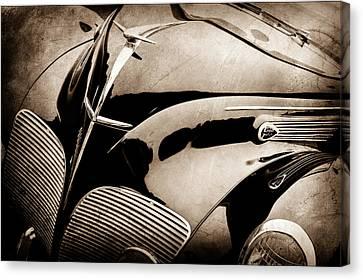 1938 Lincoln-zephyr Convertible Coupe Grille - Hood Ornament - Emblem -0108s Canvas Print