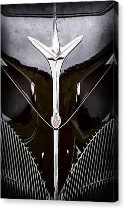 1940 Lincoln-zephyr Convertible Grille Emblem - Hood Ornament -0093ac Canvas Print