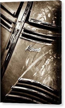 1940 Plymouth Deluxe Woody Wagon Grille Emblem -1124s Canvas Print by Jill Reger