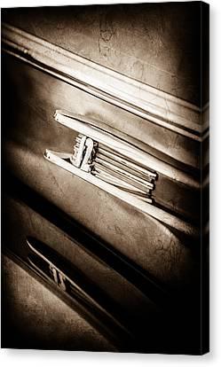 1942 Lincoln Zephyr Coupe Emblem -1215s Canvas Print
