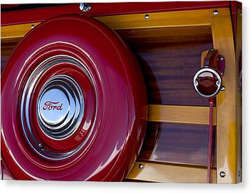 1951 Ford Custom Deluxe Woody Taillight Canvas Print