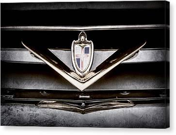 1952 Lincoln Derham Town Car Grille Emblem -0427ac Canvas Print