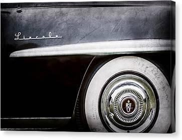 1952 Lincoln Derham Town Wheel Emblem -0416ac Canvas Print