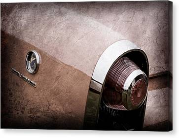 1955 Lincoln Indianapolis Boano Coupe Taillight Emblem -0388ac Canvas Print