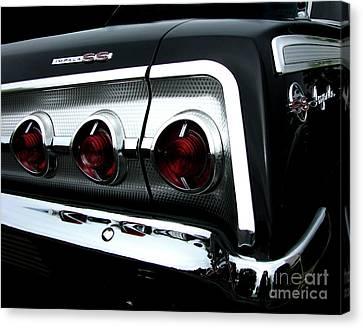 1962 Chevrolet Impala Tail Canvas Print by Peter Piatt