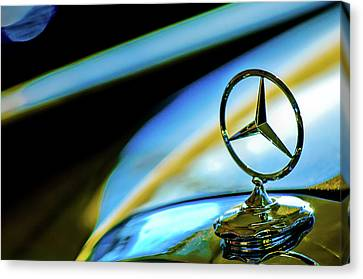 1962 Mercedes-benz 6.3 Liter 220se Cabriolet Hood Ornament Canvas Print by Jill Reger