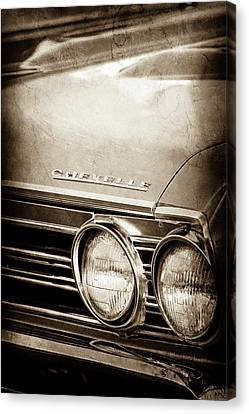 Canvas Print featuring the photograph 1967 Chevrolet Chevelle Ss Super Sport Emblem -0413s by Jill Reger