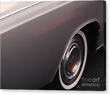 1968 Vintage Lincoln Sedan Fender Canvas Print by Anna Lisa Yoder