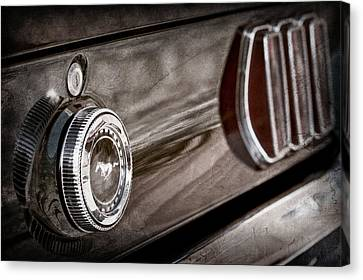 1969 Ford Mustang Taillight Emblem -0896ac Canvas Print