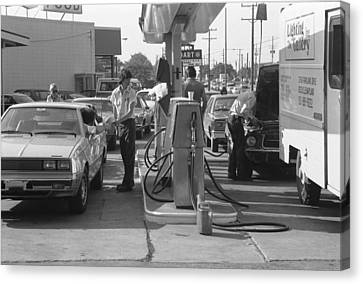 Energy Crisis Gasoline Lines Canvas Print by Underwood Archives
