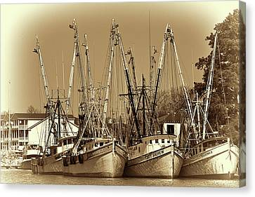 Canvas Print featuring the photograph Georgetown Shrimpers by Bill Barber