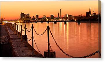 Canvas Print - Hamburg Skyline by Marc Huebner