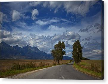 Licht Canvas Print - Hohe Tatra by Renata Vogl