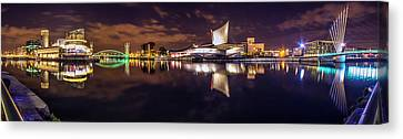 Imperial War Museum North Canvas Print by Ian Haworth
