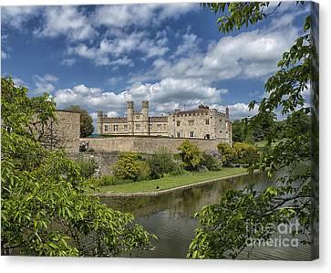 Leeds Castle, England Uk Canvas Print