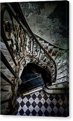 Old Piano In Deserted Castle - Architectual Heritage Canvas Print