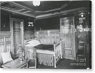 Parlour Suite Of Titanic Ship Canvas Print by Photo Researchers