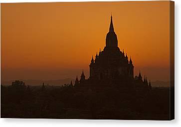 Temples Of Bagan Canvas Print by Arabesque Saraswathi