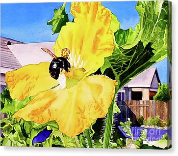 #261 Bumble Bee Canvas Print by William Lum