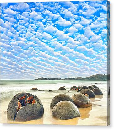Moeraki Boulders Canvas Print by MotHaiBaPhoto Prints