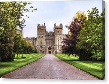 Windsor Castle Canvas Print by Joana Kruse