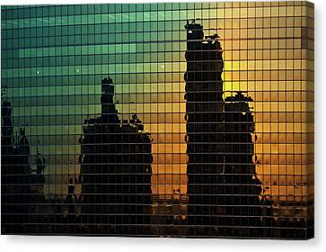 333 Wacker Reflecting Chicago Canvas Print by Steve Gadomski