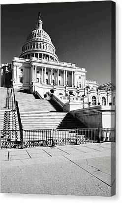 Capitol Hill Building In Washington Dc Canvas Print