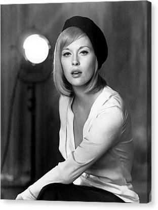 Bonnie And Clyde, Faye Dunaway, 1967 Canvas Print by Everett