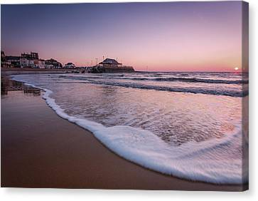 Broadstairs Sunrise Canvas Print by Ian Hufton