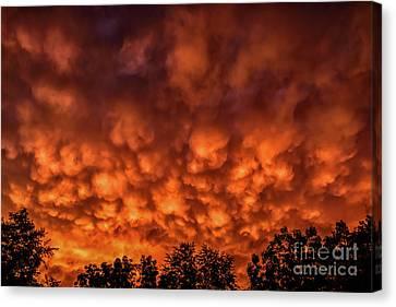 Mammatus Clouds At Sunset Canvas Print