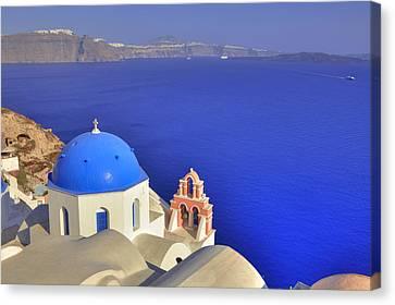 Oia - Santorini Canvas Print by Joana Kruse