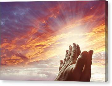 Prayer Canvas Print by Les Cunliffe