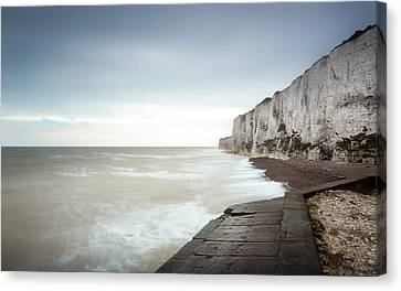 White Cliffs Of Dover Canvas Print by Ian Hufton